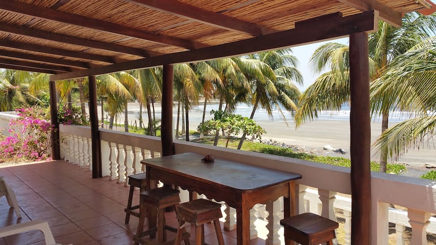 Angie's Beach Cottage - Aposentillo - Dom