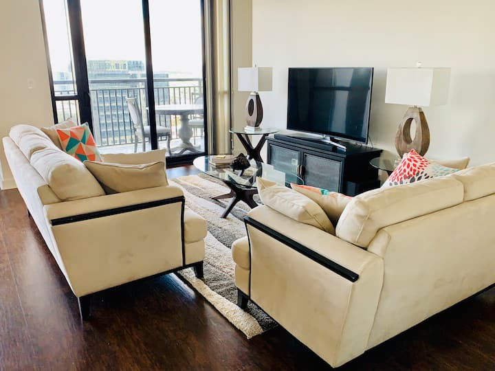 Gorgeous Private Bed/Bath in Glamorous DT Orlando