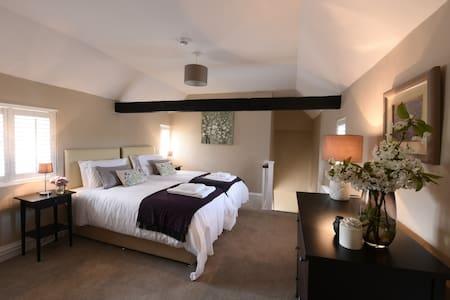 Woodstock Suites, Lavant - Charlton
