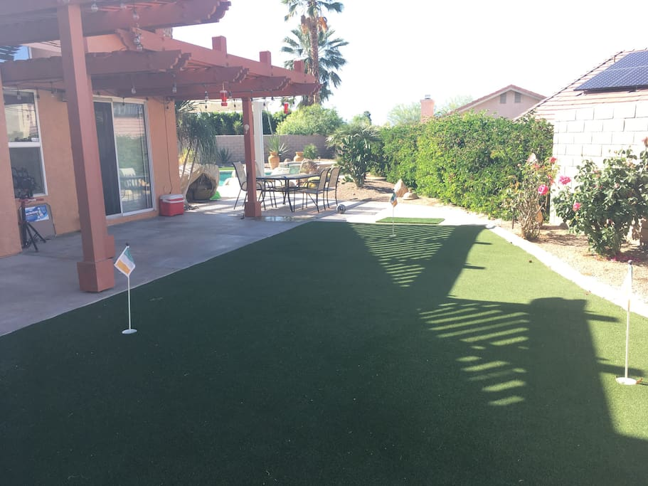 Mini Putting Green