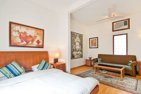 Service Apartments In South Delhi - Bed & Breakfast
