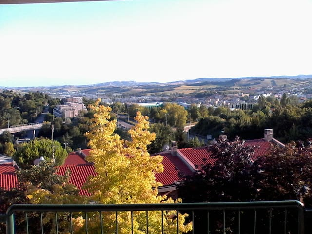 app.to in zona residenziale,panoramico,silenzioso - Ancona - Apartment