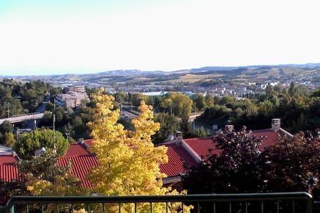 app.to in zona residenziale,panoramico,silenzioso - Ancona - Apartament