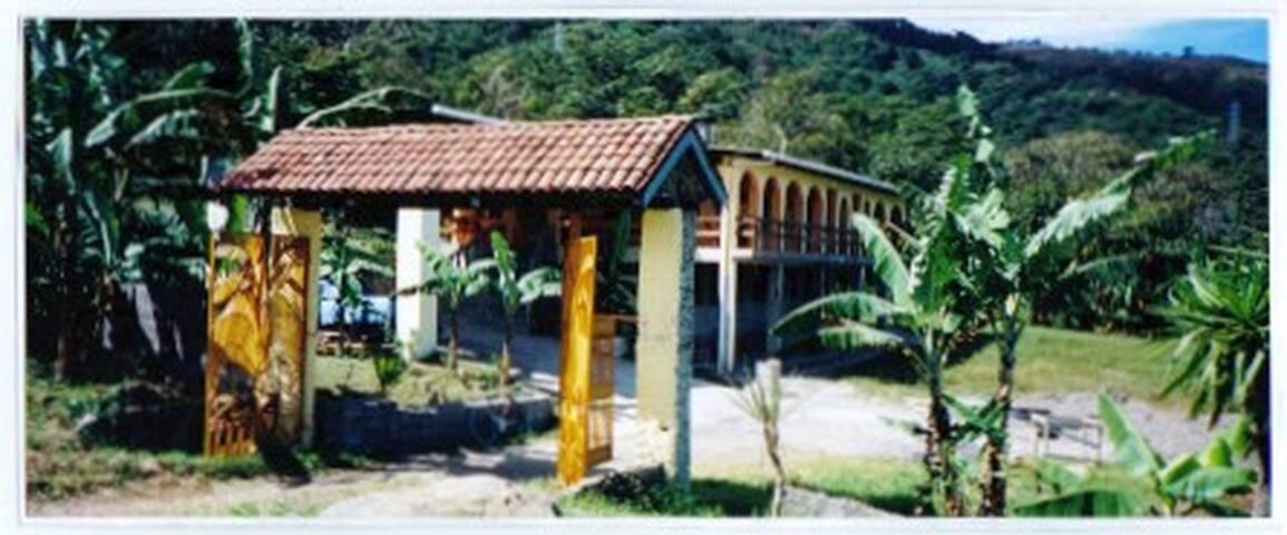 HOTEL ESCAZU 3