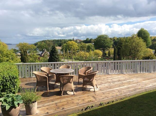 Skøn gammel Villa med unik udsigt - Vordingborg - Huis