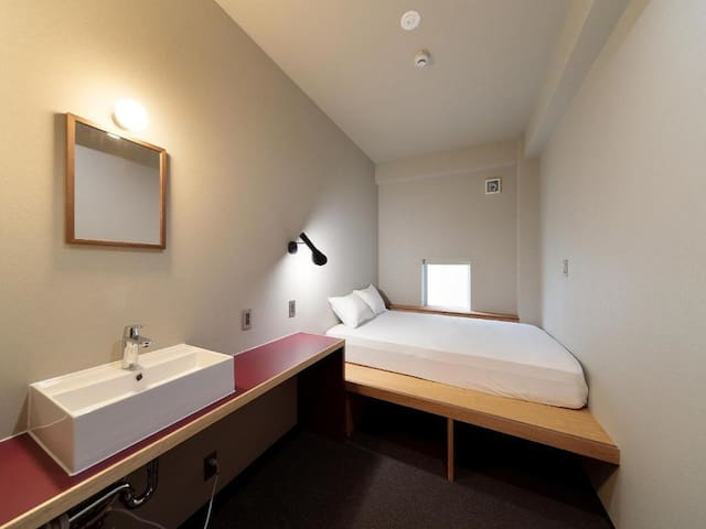 5mins->Hakata Station/Economy double room/NoMeal