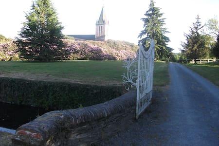 Château de Lamberville - Lamberville - Wikt i opierunek