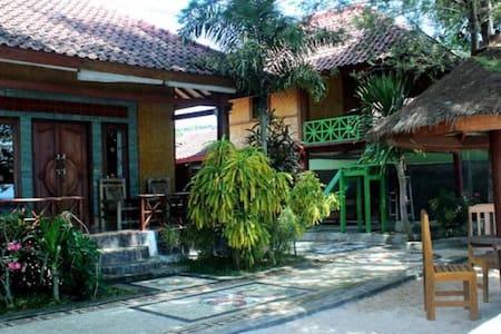 Krisna Bungalow- Sea view - Sekotong Tengah - バンガロー