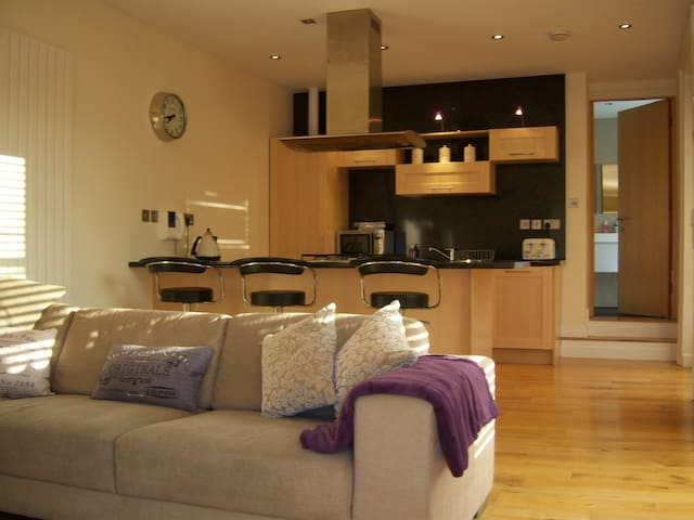 Grey Street City Centre Apartment with Terrace - Newcastle upon Tyne - Byt