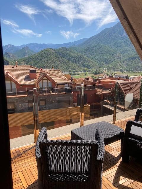 Apartament dúplex amb vistes al Pirineu català