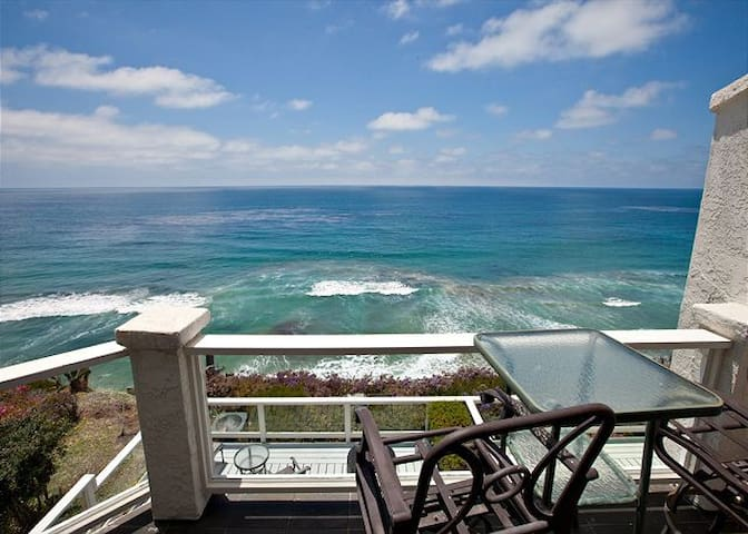 VIEWS 4 DAYS! | Oceanfront On The Bluff