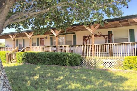 Ranch House in Texas - Kaufman