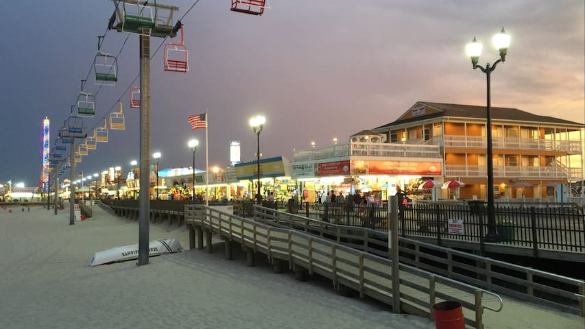On the Boardwalk @ 1119- Hotel Room - Seaside Heights - Other