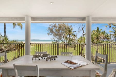 Farnborough Beach Cottage (beachfront)