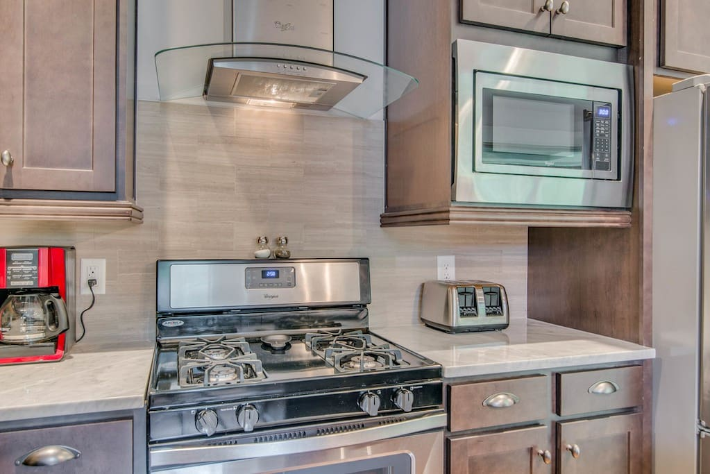 Nice stainless steel appliances - coffee, toaster, blender provided!