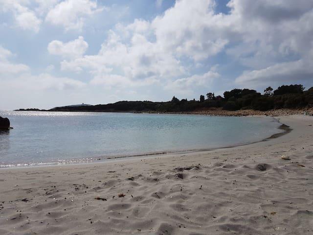 Chia, Perdalonga, Villa sul mare