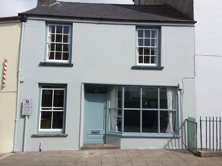 6 Hill Street, Haverfordwest, Pembs