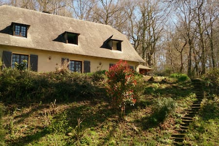 French house in the woods - Espoey - 一軒家