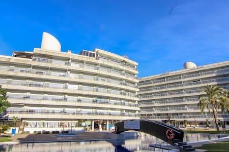 Apartamento primera línea de mar - Бланес