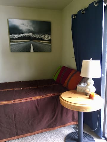 Cozy private room near ski resorts and downtown Park City.