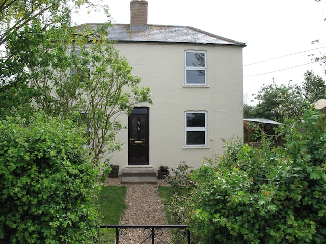 Rural Country Cottage  - Whittlesey - House