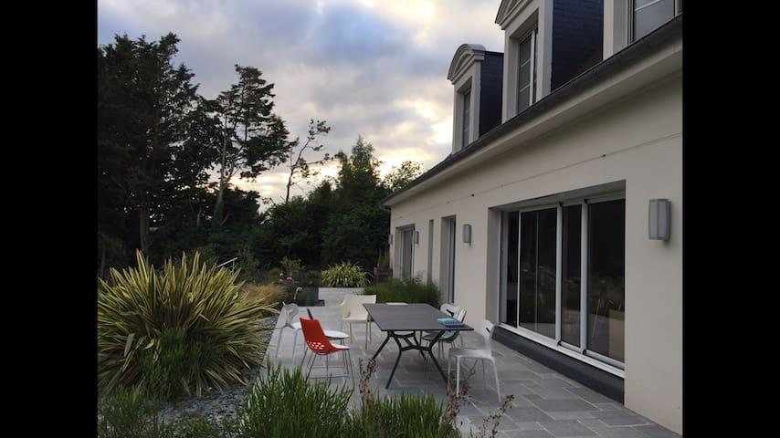 Superbe maison cadre campagne - Montgermont - Hus
