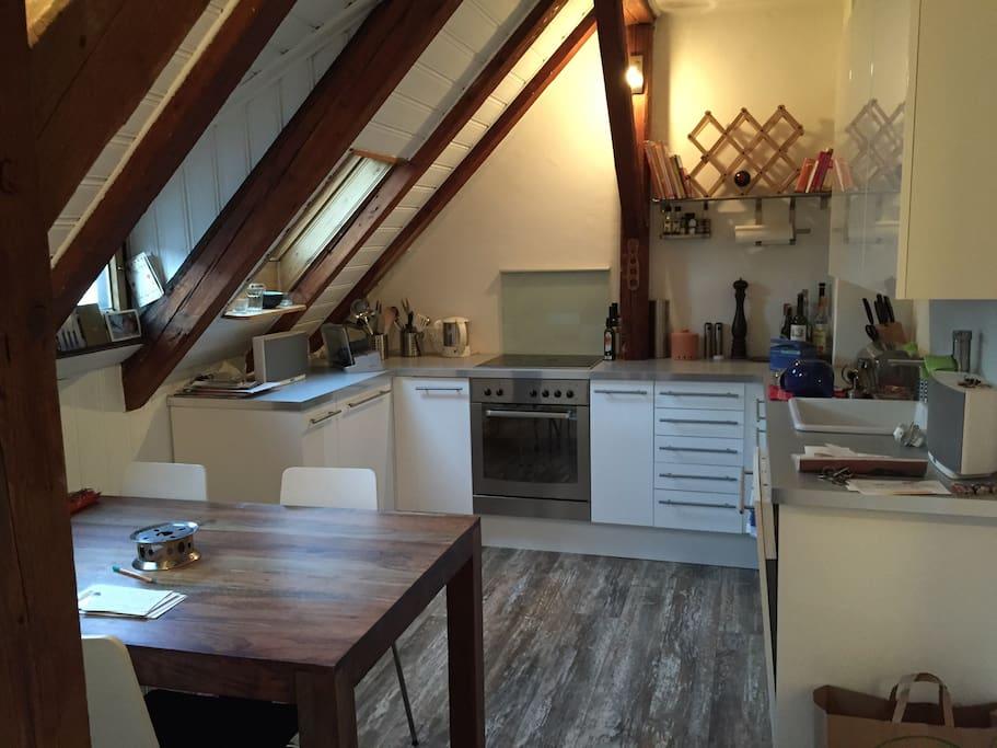 Wohnküche, eat-in kitchen