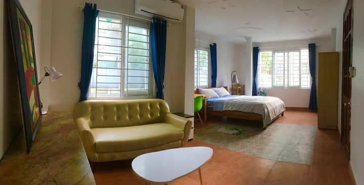 Large, private & cozy room near Westlake