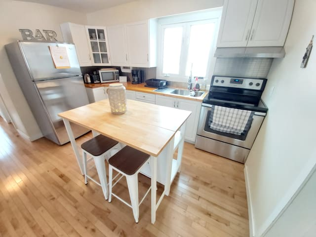 3 Bedroom Apartment  - 5 minute drive from Ottawa