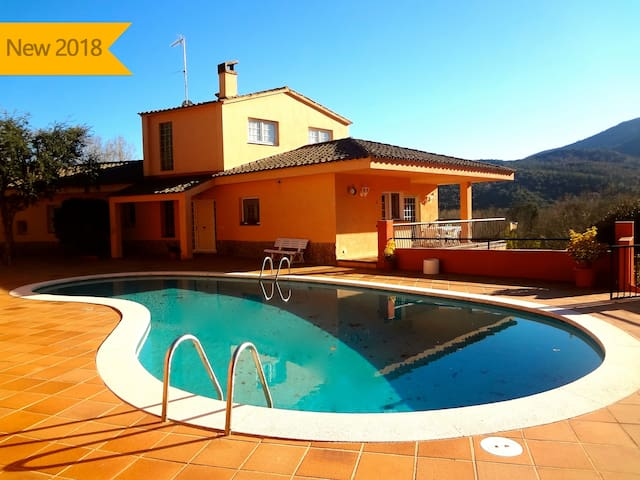 Catalunya Casas:  Glorious 5-bedroom villa for 10 people nestled in the hills of Arbucies