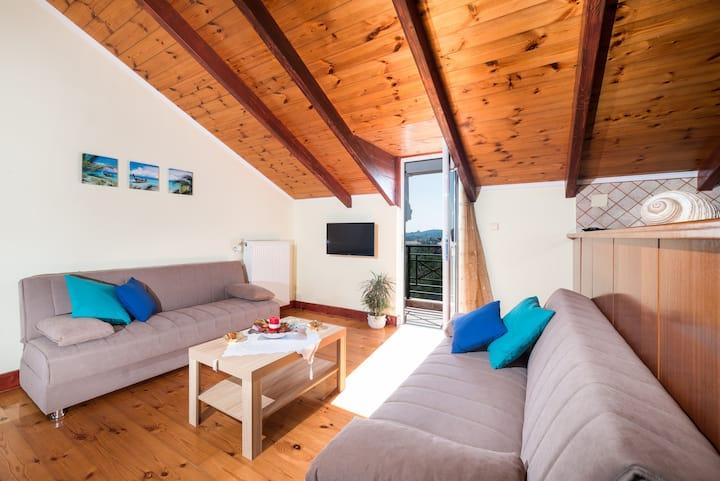 Soso's Sea View Apartment