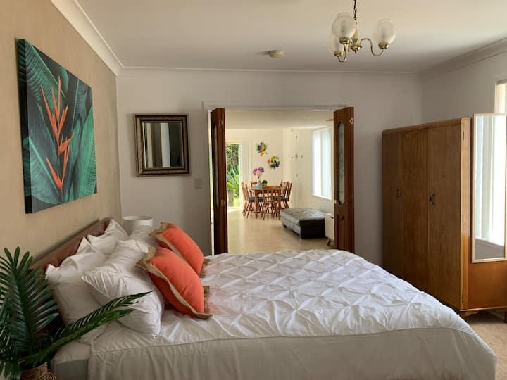 Sunny spacious guest  house