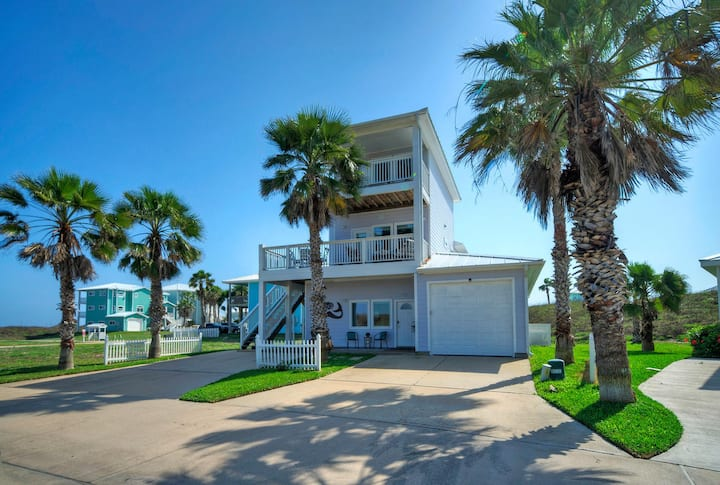 MERMAID'S LAIR* 4BR/4BA* Boardwalk to Beach* Pool