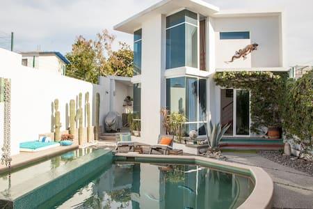 Garden mini villa with pool - La Paz