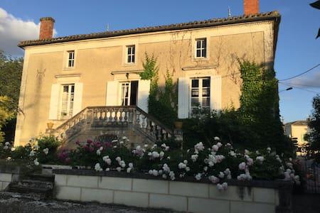 Maison de famille 7 personnes - Issigeac