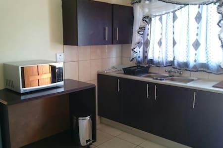One bedroom flat in Hart of Khomas - Windhoek - Andere