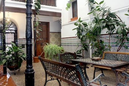 Suite in Old Town Courtyard House! - Còrdova - Casa