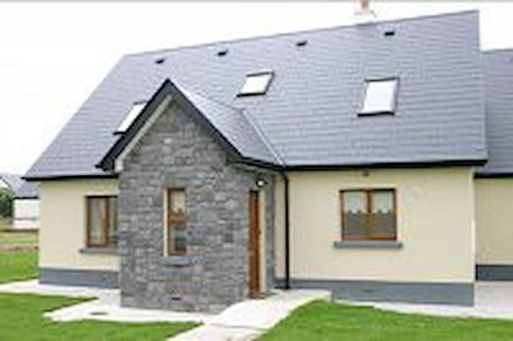 C 17 Cahermore Holiday Village, Enniscrone - Enniscrone - Casa