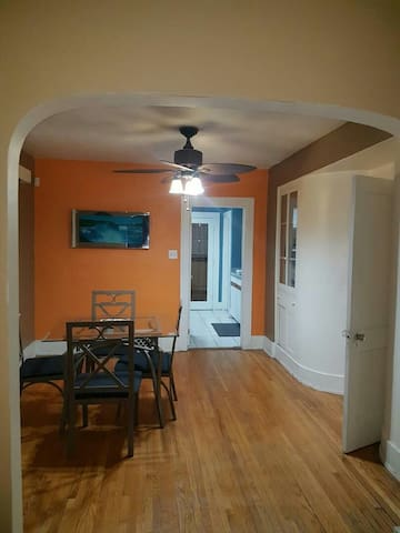 Charming House With Tons of Space - Windsor