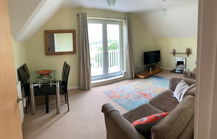 Purbeck Views, 2Bed, Lift, Close to Beach, Balcony