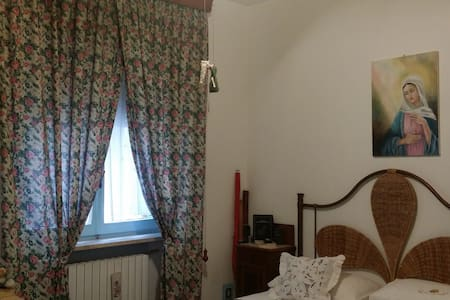 AFFITTO CAMERE IN DELIZIOSO BORGO MEDIOEVALE - Monsampolo del Tronto, Marche, IT - Appartement