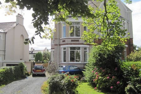 2 b'room self cater in Ballyholme - Rumah