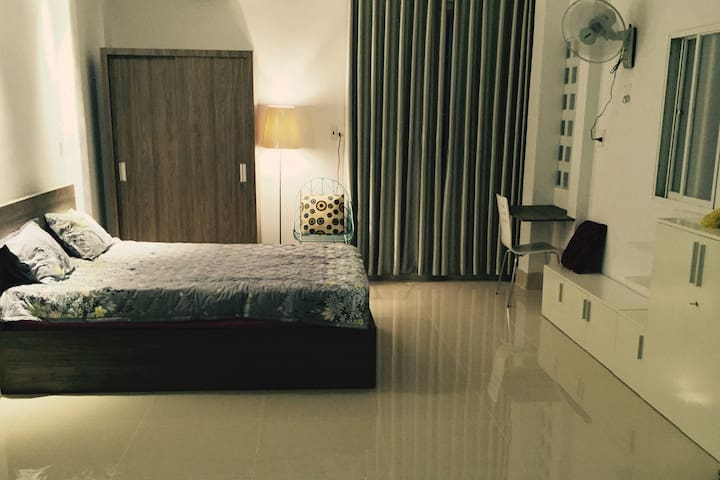 New & private studio apartment in city centre - Ho Chi Minh City - Lägenhet