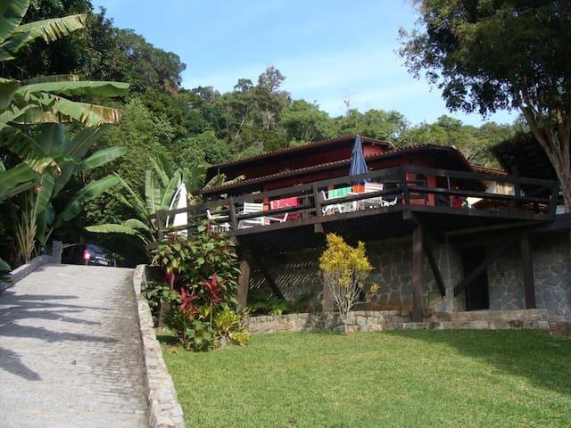 Head in Trees and Feet in Sea - Mangaratiba - House