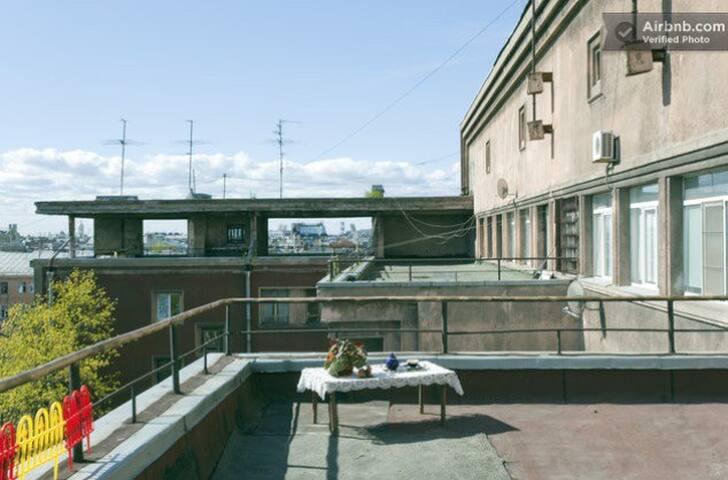 Просторная квартира с террасой - Sankt-Peterburg - Talo