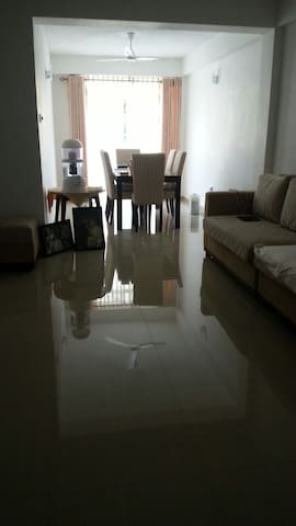3 bedroom apartment for rent  great location