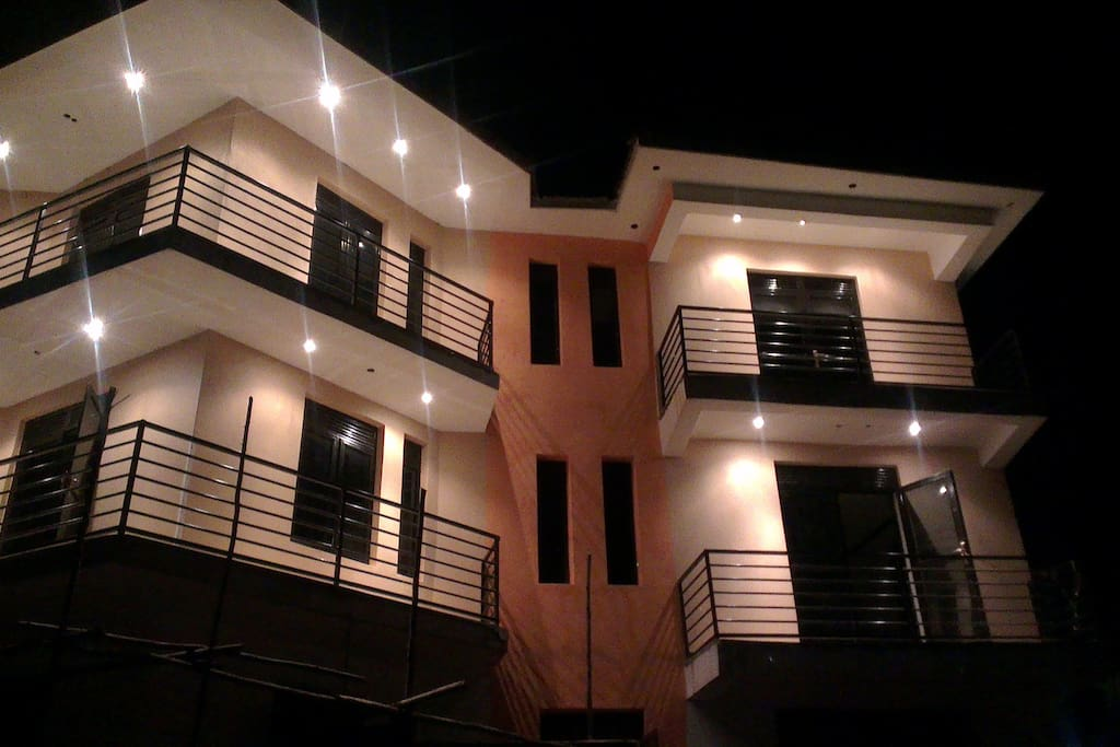 Night life at Sapphire Apartments would be fun while having a freshly brewed cup of tea or chilled Ugandan beer, enjoying thr breeze from lake Victoria and Mesmerizing lights of Kampala hills