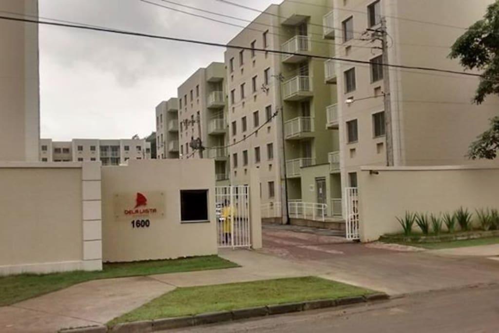 Entrada do condomínio/ Entrance