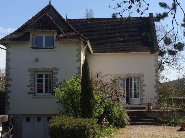 Villa entièrement rénovée au calme - Cazoulès - Talo