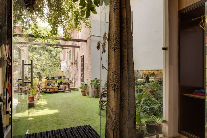 green living  studio apartment in south Delhi